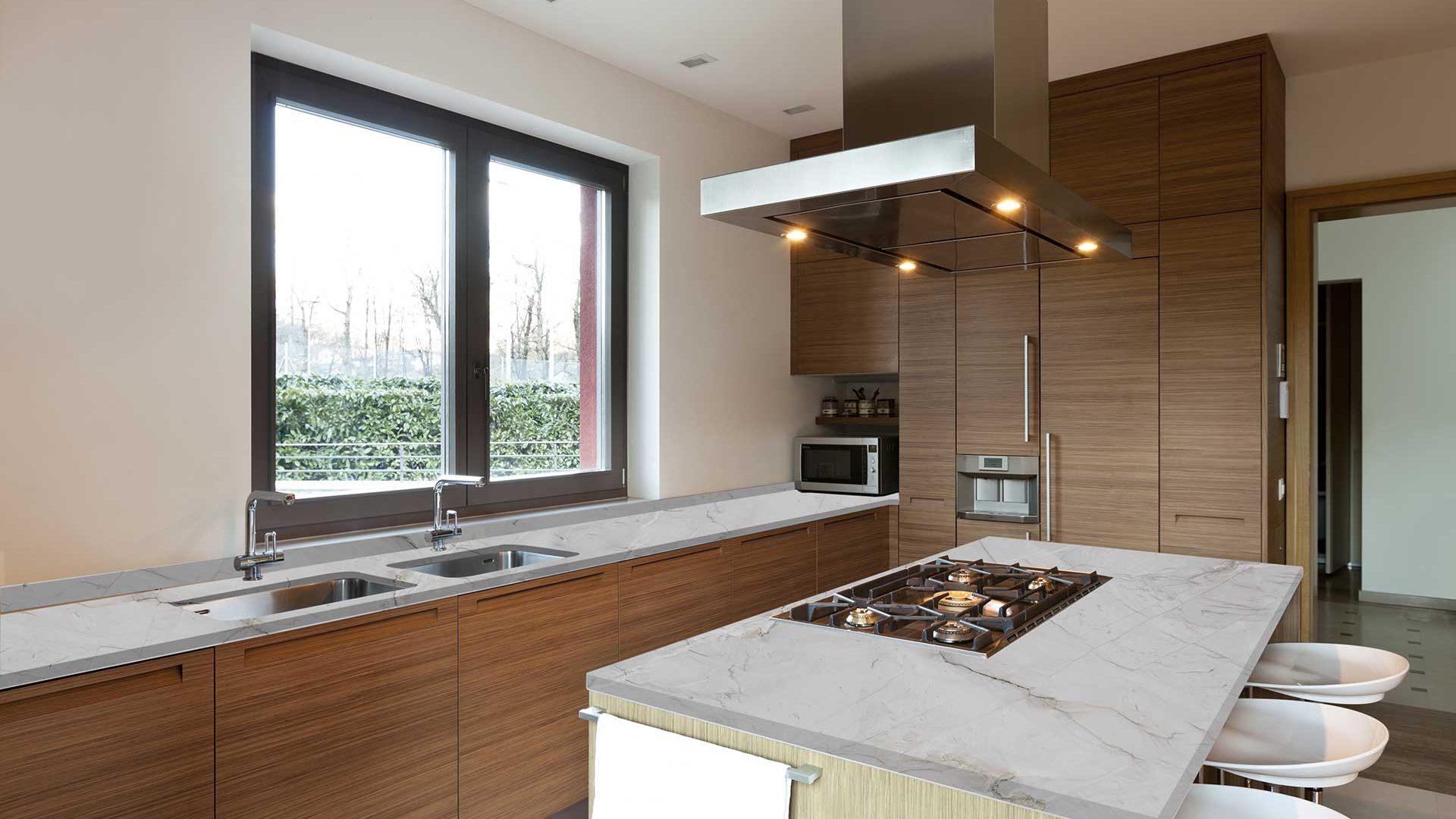 quartzite-bianco-superiore-kitchen