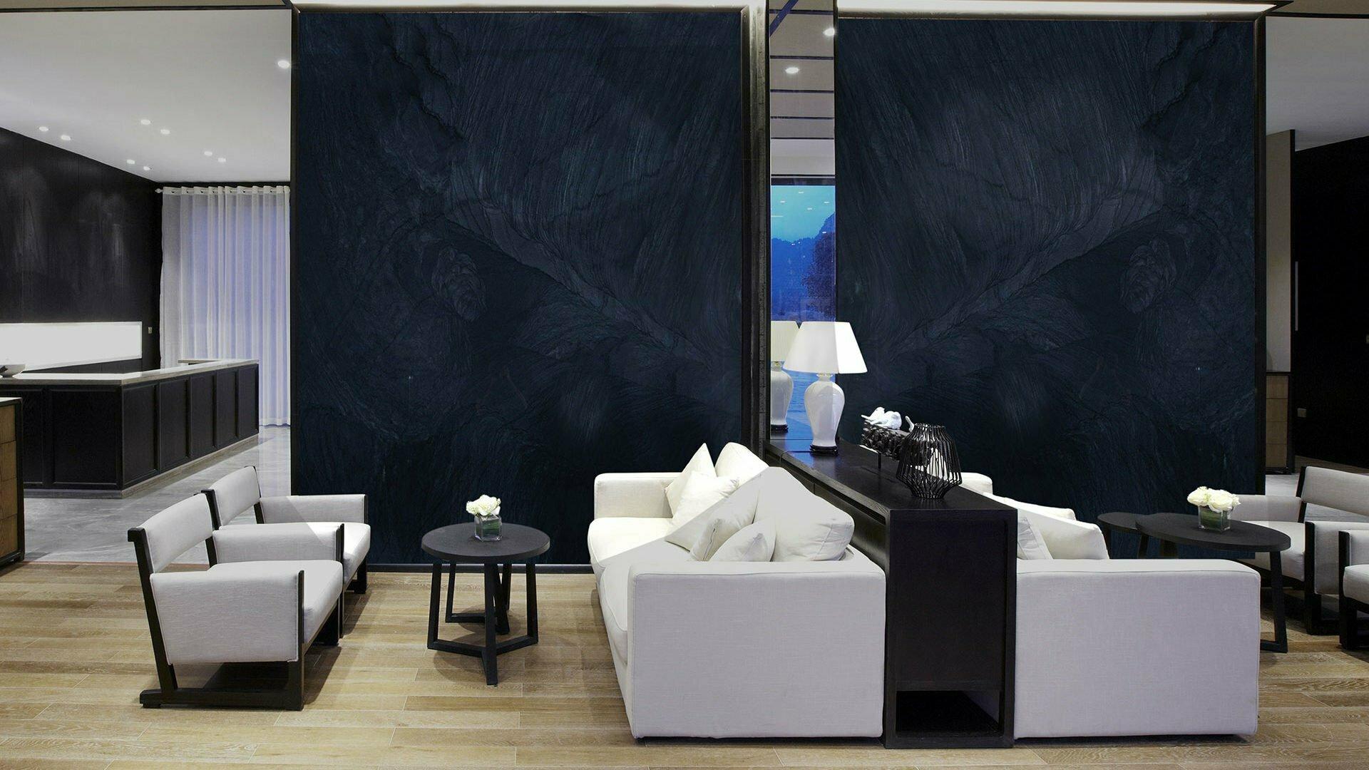 quartzite-brilliant-black-lobby