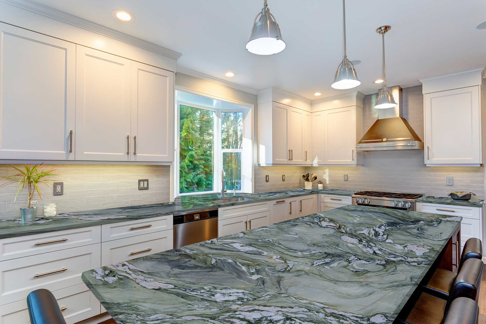 quartzite fusion light kitchen