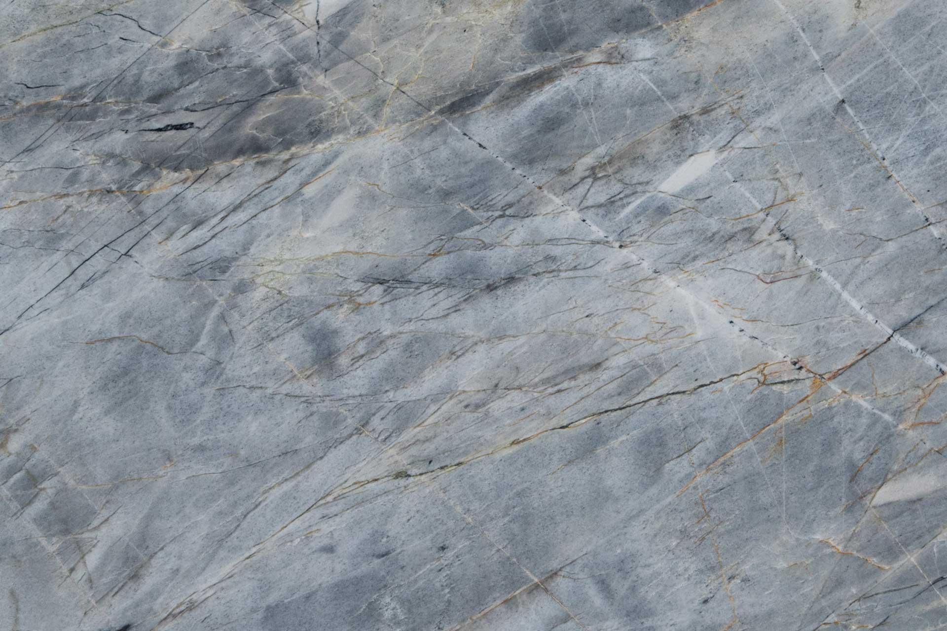 quartzite-ijen-blue-close